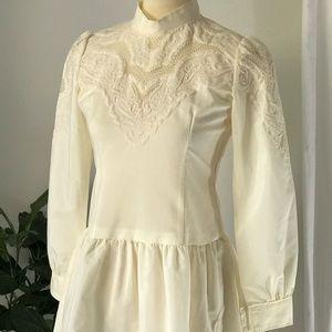 Vintage Embroidered Long Sleeve Knee-Length Dress